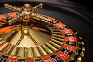 Cierran dos casinos en México